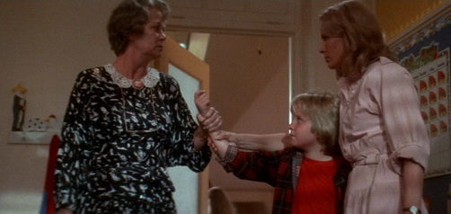 Invaders from Mars (1986) - Louise Fletcher, Hunter Carson, Karen Black