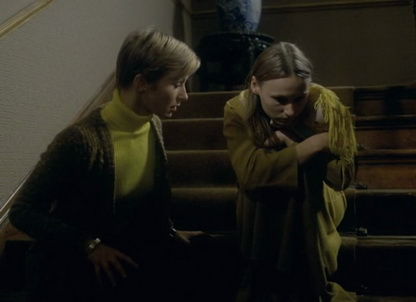 Symptoms (1974) - Lorna Heilbron, Angela Pleasence